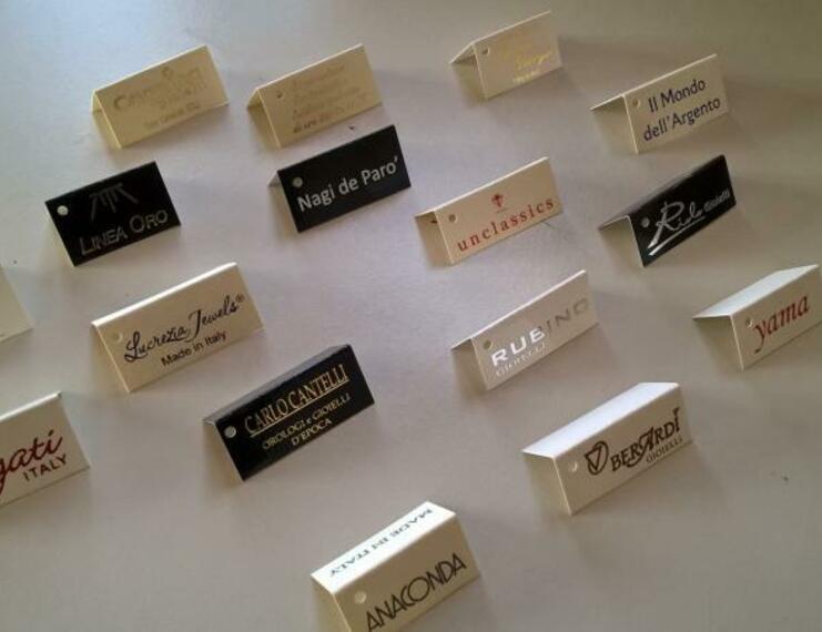 Cartellini segnaprezzi in cartoncino da gr. 250 stampati e infilati con filo cotone - 4 di 4
