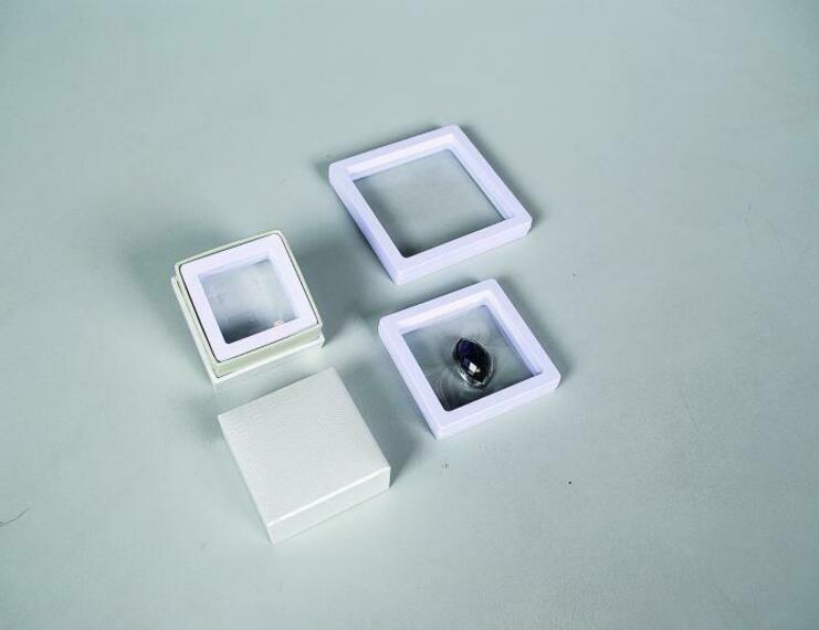 Astucci a finestra con pellicola - 1 di 1