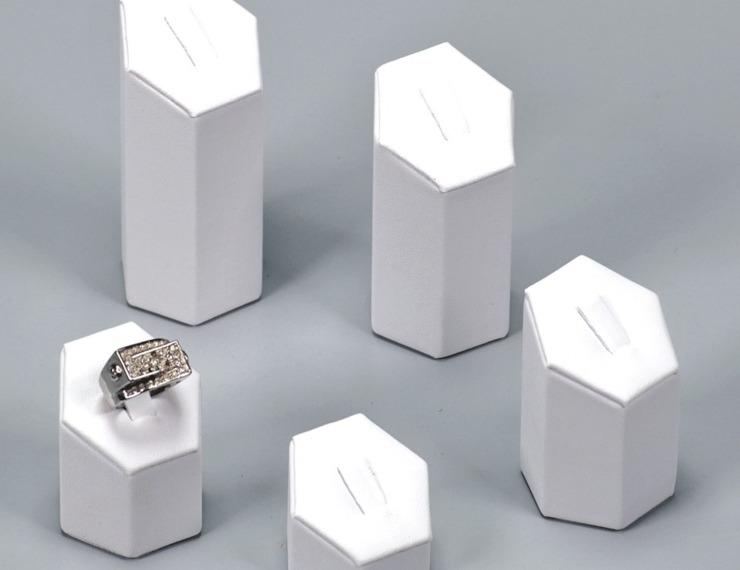 Espositori similpelle per anelli - 5 di 8