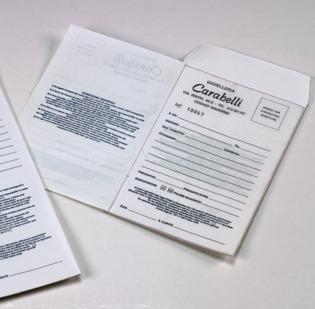 Buste per riparazioni formato cm 10 x 15 con 2 foglietti copianti applicati