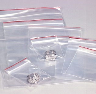 Bustine Grip in plastica trasparente da 50 micron con chiusura grip misura cm 5 x 6. Confezioni da 100 bustine.