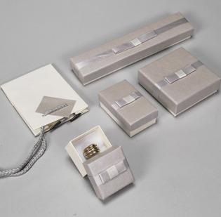 Serie Amburgo astucci per gioielli con sacchetto coordinato - 1 di 2