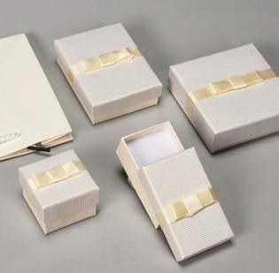 Serie Amburgo astucci per gioielli con sacchetto coordinato - 2di 2