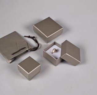 Serie Trento astucci per gioielli con sacchetto coordinato - 2di 2