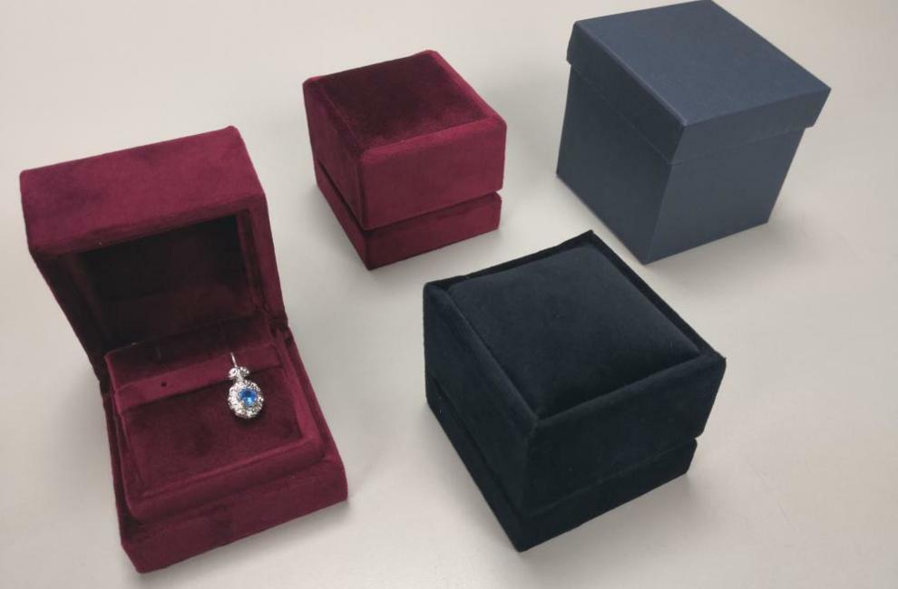 PARTICOLARI DELLE NOSTRE REALIZZAZIONI di Astucci per gioielli - Progetto 9 di 8