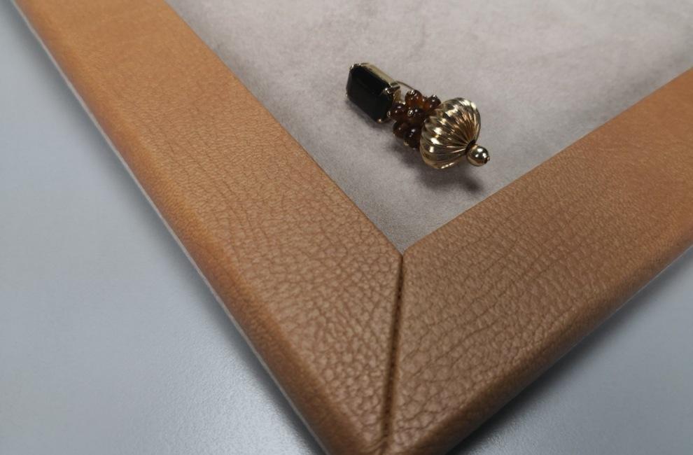 PARTICOLARI DELLE NOSTRE REALIZZAZIONI di Astucci, rotoli e vassoi per gioielli - Progetto 2 di 9